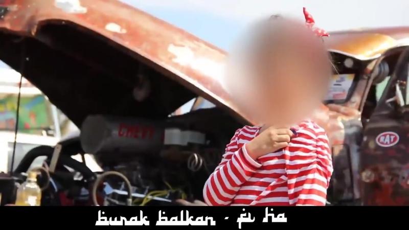 Arabic_Remix_-_Fi_HaBurak_Balkan_Remix(MosCatalogue.net).mp4