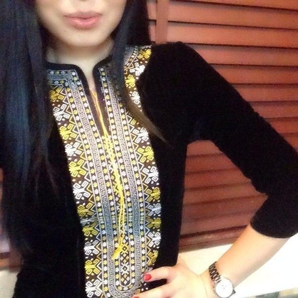 Туркменская вышивка на платьях