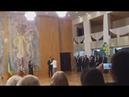 Черкаський волонтер демонстративно порвав грамоту від Президента під час вручення нагород