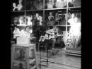 Танец цапли-тираннозавра в исполнении Руж Янг