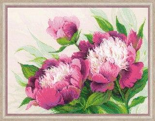 """Скачать бесплатно  """"Розовые пионы """" коллектив 28mb в формате jpg.  Вышивка крестиком и гладью."""