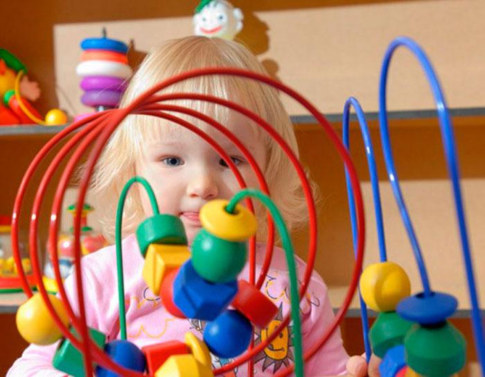 Еще одна характеристика игрушки или развивающего пособия - его  многофункциональность. Иными словами, сколько возможно вариантов игры с  игрушкой или способов ... 3a2d72d67ea