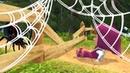 ЗЛОЙ ПАУК НАПАЛ НА МАШУ Догонялки с Машей из Маша и Медведь в Парке Развлечений с Паутиной!