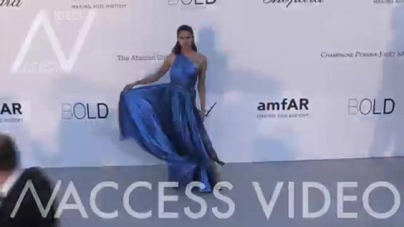 Sara Sampaio with Oliver Ripleyat the 25th annual amfAR Gala in Cannes ( 360 X 640 ).mp4