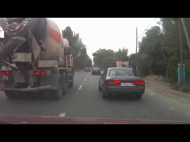 Авария Алма-Ата,в Каменке 21.09.2013 (см с 2:30)