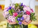 Цветы должны быть без повода. Счастье должно быть настоящим. Дом - тёплым.