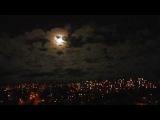 Луна в облаках над городом - Moon in clouds over the city