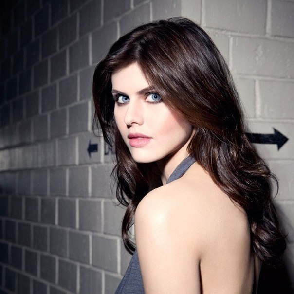 how to date alexandra daddario gq