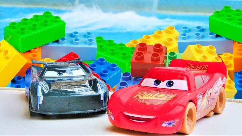 Cars videos Lightning McQueen Vs Jackson Storm at the water park