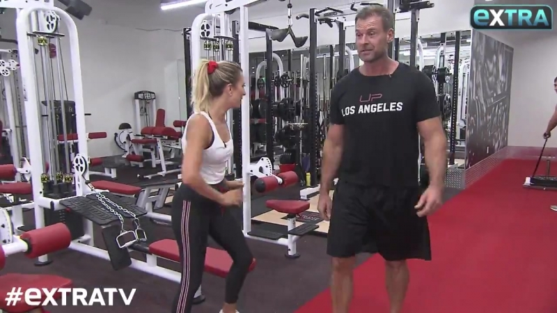 ExtraTV - Totally ripped! Check out Glee star Kevin McHales jaw-dropping body transformation! @dr