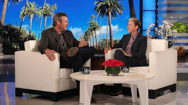 Blake Shelton on His Embarrassing Onstage Fall