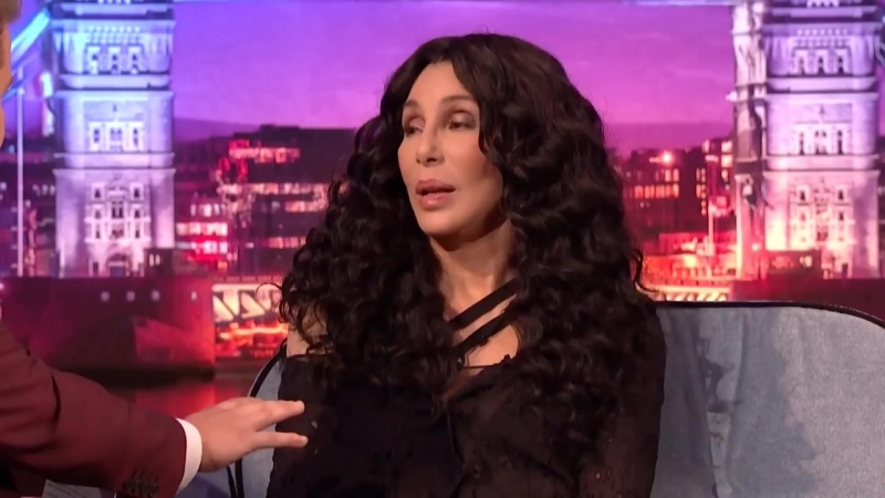 Cher Meryl Streep Once Saved a Woman In Distress