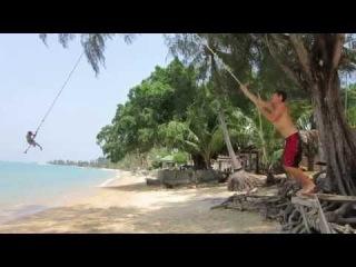 Прыжки в воду с тарзанки (видео с острова Самуи)
