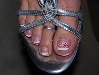 фото ногтей рисунки на ногах.