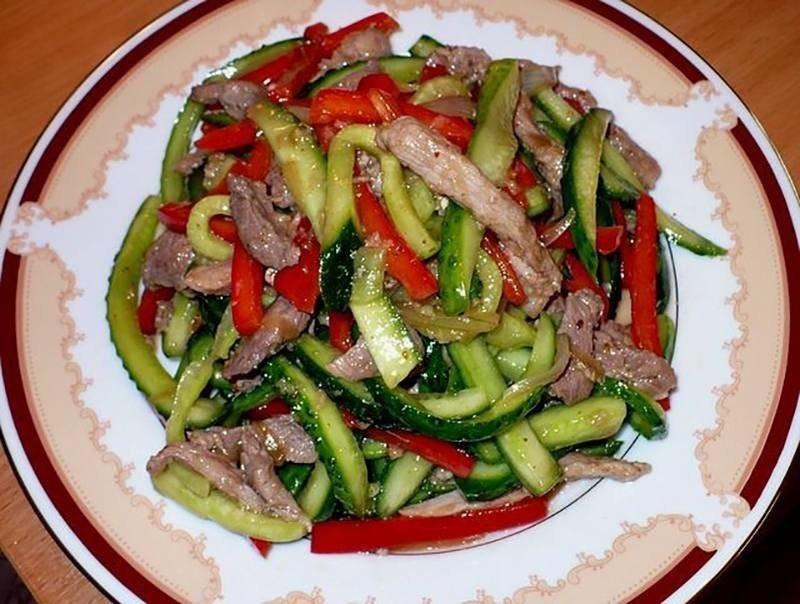 Салат из огурцов и мяса Ингредиенты Свежие огурцы -