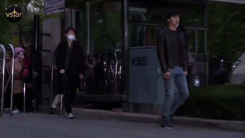 [VK][181026] MONSTA X Arriving at Music Bank @ Vstar