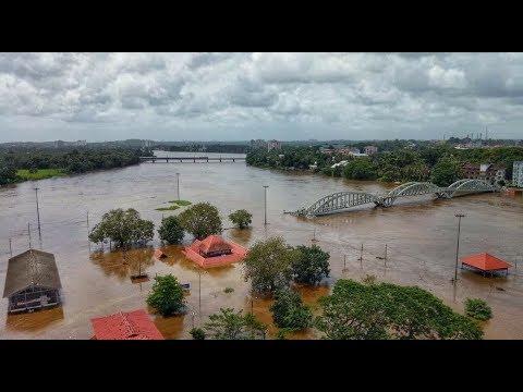 Сильное наводнения в штате Керала Индия Severe flooding in Kerala India