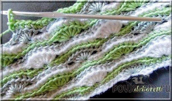 Разноцветный узор вязаный крючком, схема по ссылке: http://povjazem.ru/vyazanye-...
