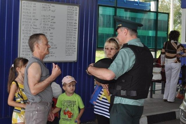 На двух пунктах пропуска таганрогской таможни слышались автоматные очереди