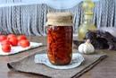 Вяленые помидоры с чесноком и травами