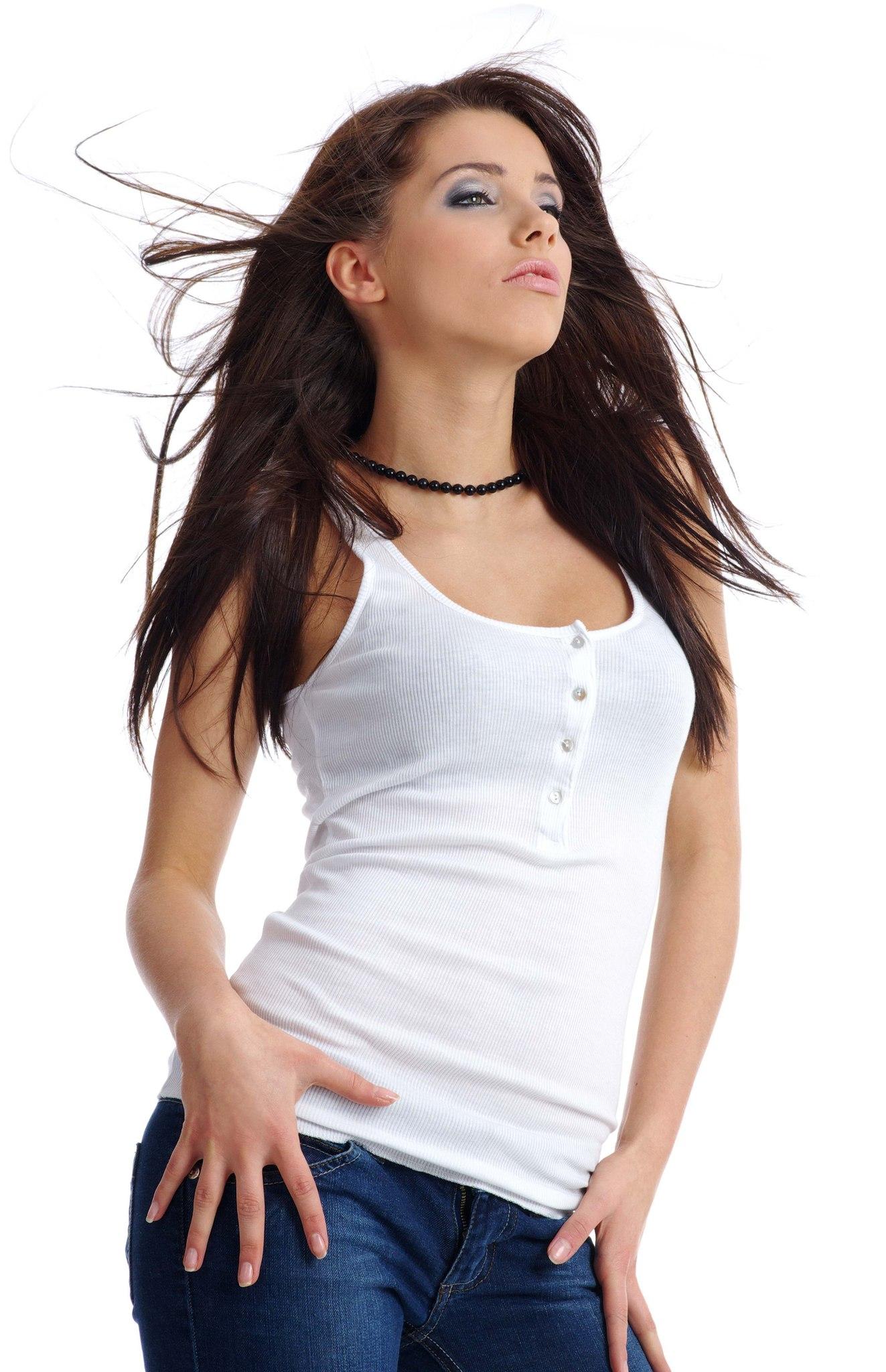 Сексуальна девушка в черных джинсах и синей футболке фото 11 фотография