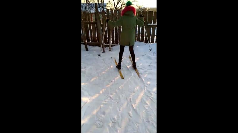 вика и лыжи 🎿
