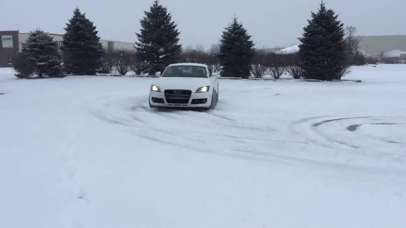 Audi tt snow drift_HD.mp4