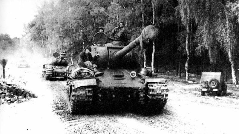Мы сразу начинали убегать немец о том, зачем русские вешали ведро на ствол Т-34