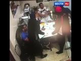 Налетчиков на офис задержали в Бутове. Дерзкое нападение попало на видео