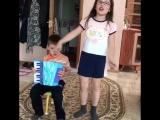 Как приятно,когда мои ученики-вокалисты даже на каникулах дают концерты для родителей. Агальцова Машенька и ее братик Иван. Июль