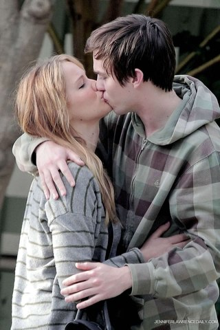 Слово целоваться