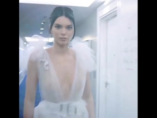 FACES! - Kendall Jenner