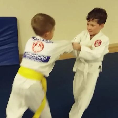 Мороте сэой наге в исполнении Варавина Вовы, 6 лет.