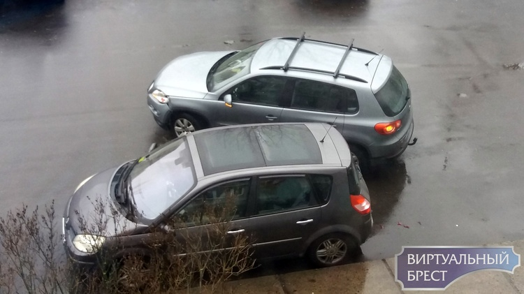 В ГАИ рассказали, сколько аварий произошло сегодня утром, в том числе из-за гололёда
