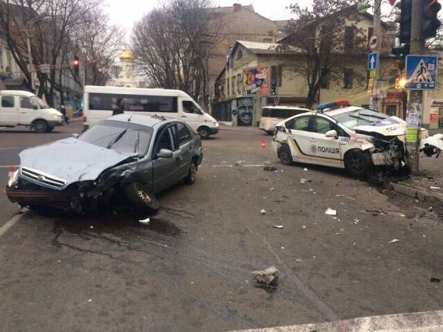 Toyota Prius Ukrajna VF_bodrJsXs