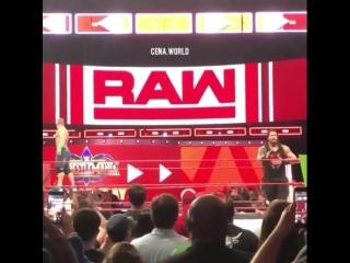 Wrestling Online: Cena saves Reigns