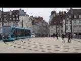 Le tramway serpentant sur le pont Battant