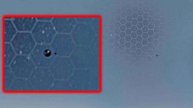 НЛО исследует поврежденный участок КУПОЛА ПЛОСКОЙ ЗЕМЛИ Не реальные кадры НЛО 2018