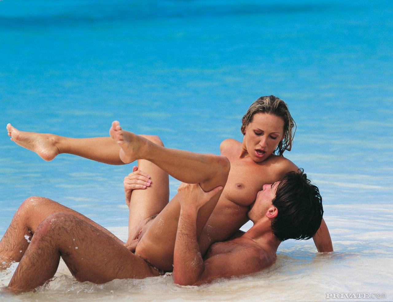 Русское порно на морском побережье 3 фотография