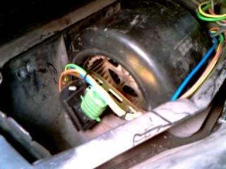 Резистор моторчика печки от Шевроле Нивы на Vectra A 2