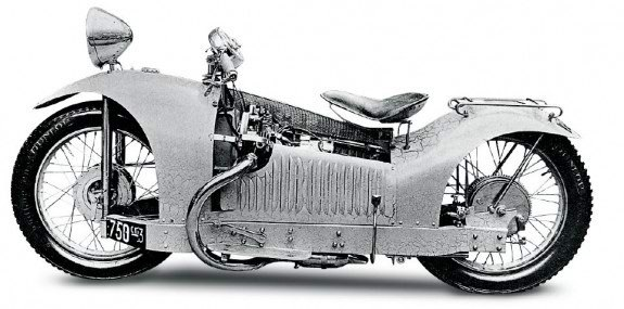 Мотоциклы Majestic строились крохотными партиями во Франции в конце 20-х годов. На снимке – версия с 750-кубовым двигателем JAP