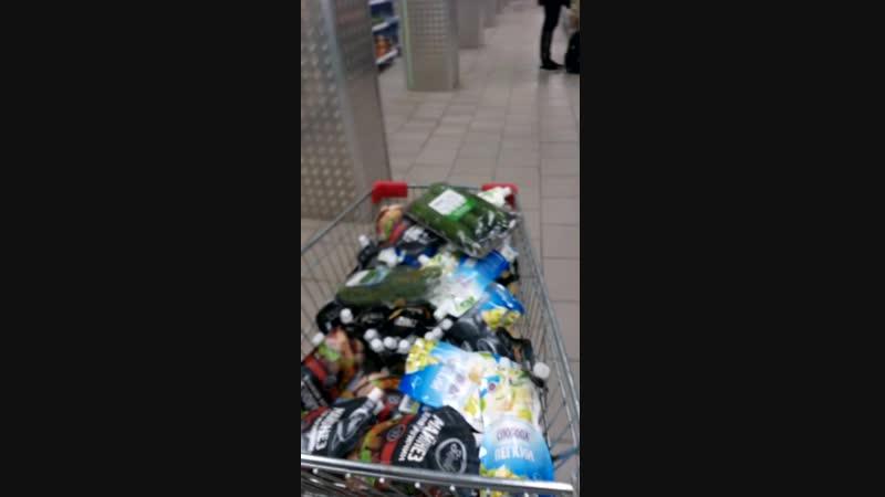 Бешеный покупатель в магазине Пятёрочка коминтерна 162
