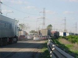 ...два года Многоуровневую развязку на федеральной трассе М-5 в районе микрорайона Жигулевское Море в Тольятти...