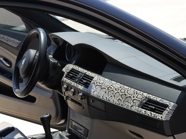 BMW-3 отделка под кожу рептилии...