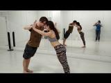 Акро-йога с Дамиром Караваевым.