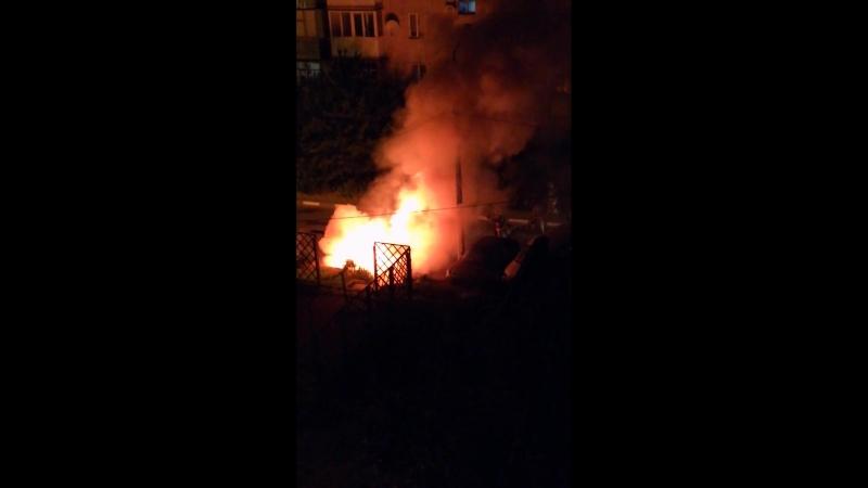 Сгорело авто в Белгороде на Советской