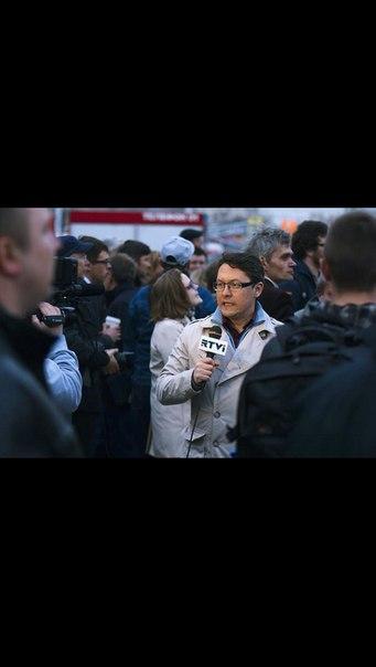 С микрофоном в толпе - в качестве корреспондента RTVi на протестных митингах в Москве 2012 г.