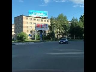 Разворот на перекрёстке Тимме-Урицкого.