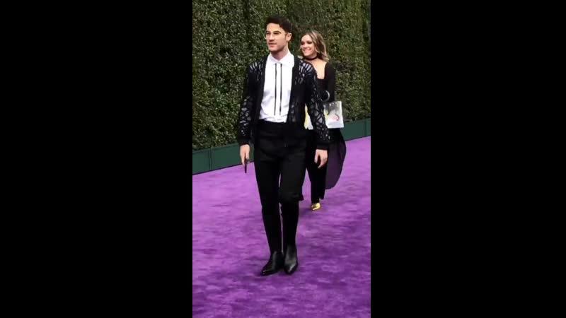 VIDEO Darren Criss arrives at the premiere of Aladdin via Tiffany Minks IG Story