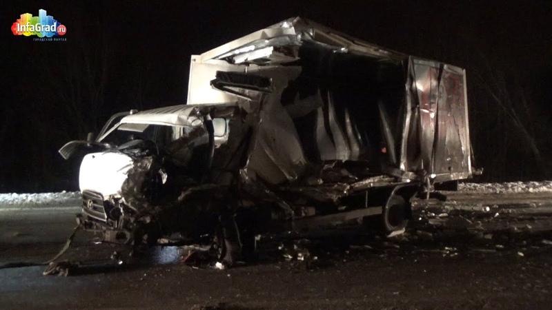 На трассе Архангельск — Северодвинск столкнулись рейсовый автобус и грузовик